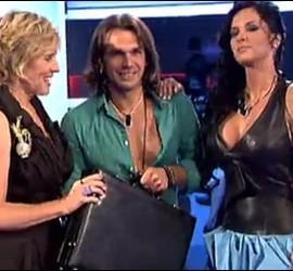 Pepe Flores, ganador de 'GH12+1', rodeado por Mercedes Milá y Laura Campos (ganadora de 'Gh12').