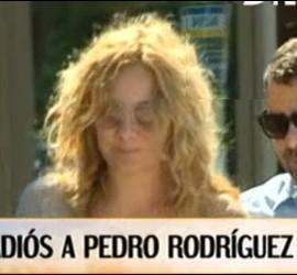 Captura de 'Qué tiempo tan feliz' del funeral de Pedro Rodríguez.