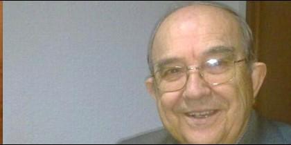 Urbano Sánchez, sacerdote, bloguero y novelista