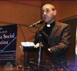 Víctor Fernández, rector de la UCA