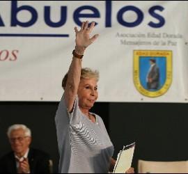Lina Morgan en el Dia de los Abuelos