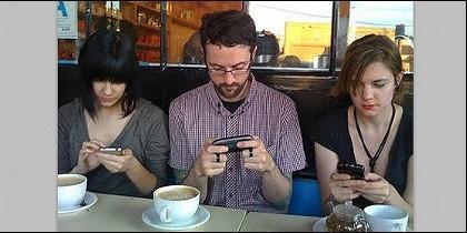 Teléfono, móvil, smartphone y redes.