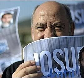 Manifiestantes proetarras, piden la libertad del terrorista Bolinaga.