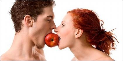 Pareja, amor, sexo, erotismo, alimentos y pasión.