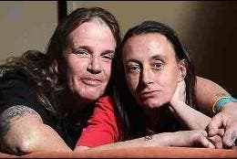 Colin MacKenzie y Jessica Angel.