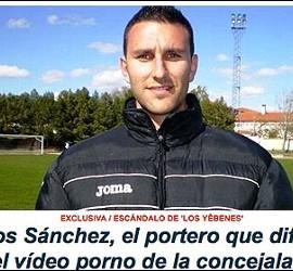 La foto de Carlos Sánchez en la portada de La Voz Libre.