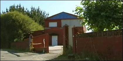 El club de alterne Queen's está ubicado en los alrededores del polígono industrial de O Ceao.
