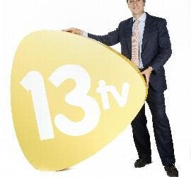 Foto promocional de Carlos Cuesta en 13tv.
