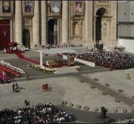 Panorámica de la Plaza de San Pedro en la canonización