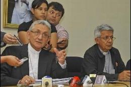 MOnseñor Jiménez y monseñor Martínez de Paraguay
