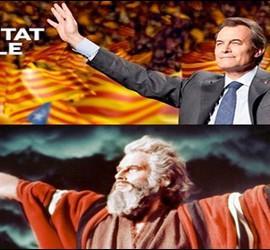 El cartel electoral de Mas recuerda al actor Charlton Heston en 'Los diez mandamientos'.