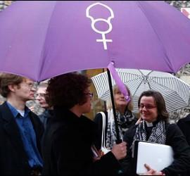 No a la ordenación de mujeres obispo en la Iglesia anglicana