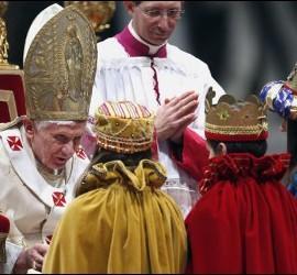 El Papa y los Reyes Magos