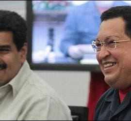 Nicolás Maduro con Hugo Chávez.