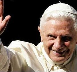 El papa Benedicto XVI durante el Angelus.