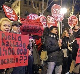 Manifestantes de Stop Desahucios.