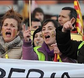 Trabajadores de Iberia protestan contra el ERE.