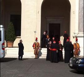 Cardenales, solos ante el peligro