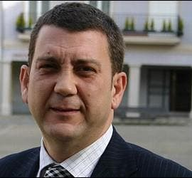 Carlos López Riesco.