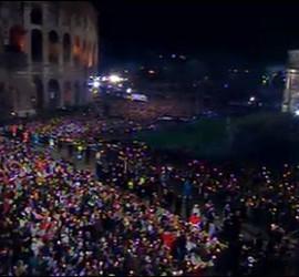 Gente en el Coliseo