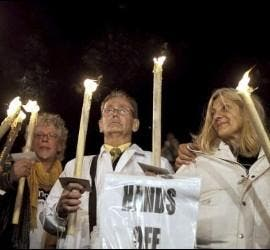 Víctimas de abusos, con velas