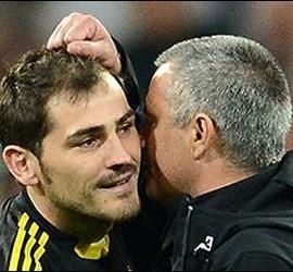 Iker Casillas y José Mourinho.