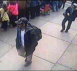 Los dos 'terroristas' de la gorras, sospechosos del atentado de Boston, a los que busca el FBI.