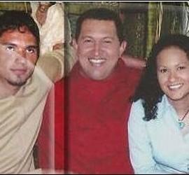 Huguito, Hugo Chávez y Rosa Virginia.