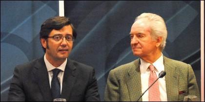 Agustín de Grandes (derecha).