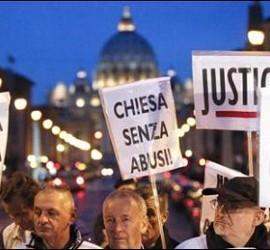 Protestas contra los abusos en Roma