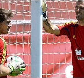 Casillas y Valdés.
