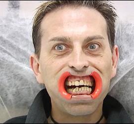 Pedro, el vampiro de 'Un príncipe para Corina' en 'Sálvame'.