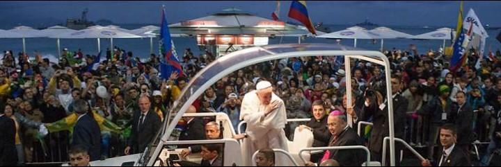 Francisco, a su llegada a Copacabana
