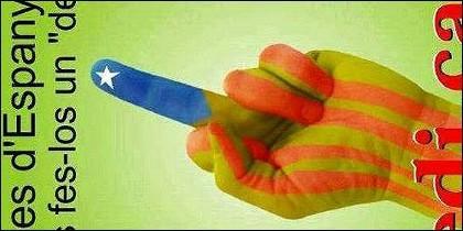 Los gestos y carteles de los independentistas catalanes.