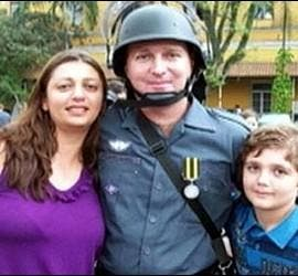 Marcelo Eduardo Bovo Pesseghini con su madre y su padre.