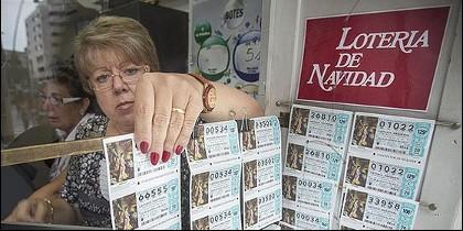 Una vendedora de lotería.