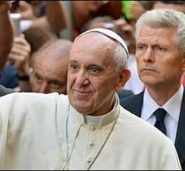 Francisco, a su llegada a la iglesia de San Agustín