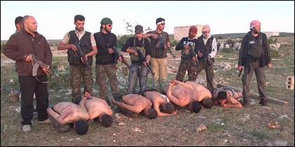 Rebeldes sirios ejecutan a siete soldados fieles a Bechir el Asad.