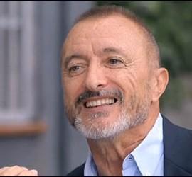 Arturo Pérez-Reverte.