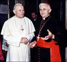 El Papa Wojtyla y el entonces cardenal Ratzinger