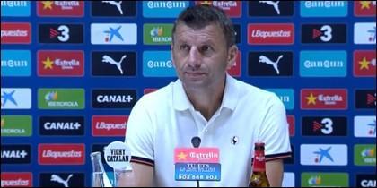Djukic en rueda de prensa