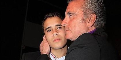 Ortega Cano con su hijo