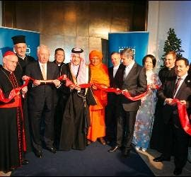 Cardenal Tauran en el KAICIID