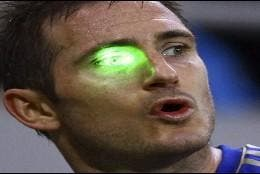 Lampard, víctima de un puntero láser.