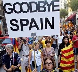 Manifestantes por la independencia de Cataluña.