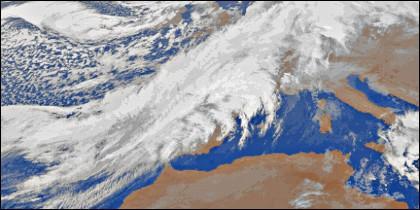 La ciclogénesis explosiva barre España en Nochebuena y Navidad de 2013.