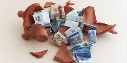 Déficit. deuda, crisis, ahorro, gasto y economía.