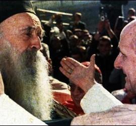 El abrazo entre Atenágoras I y Pablo VI