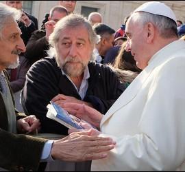Roberto Alifano, junto a Francisco