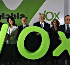 Santiago Abascal y Ortega Lara en la presentación de VOX.
